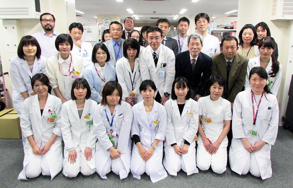 先端医療開発センタースタッフの集合写真